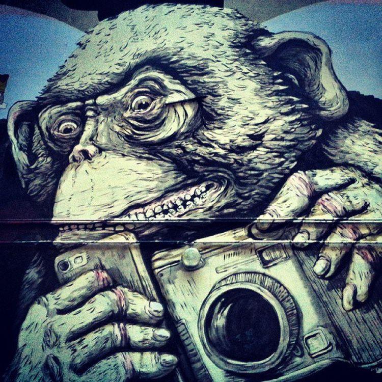 Berlin Streetart StreetGrafitti Monkey Selfie ModernTimes