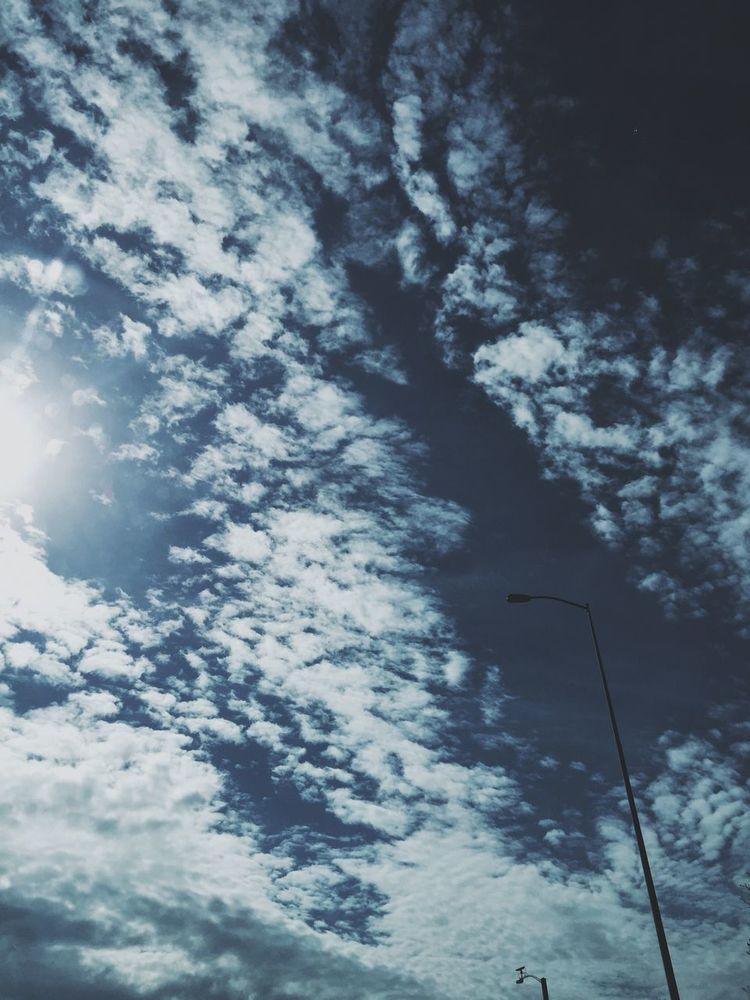 Y ahi estabas, viendo el tiempo pasar, juntos Los dos, enamorados / and there you were, watching time pass by, both of us together, in love Daydreaming We All Need A Little Bit Of Sun Clouds And Sky Clouds In The Sky You Gotta Look Up The Treasures Of Earth Un Día Soleado La Vida Es Bella Te Extraño Mi Vida Cloud Lovers