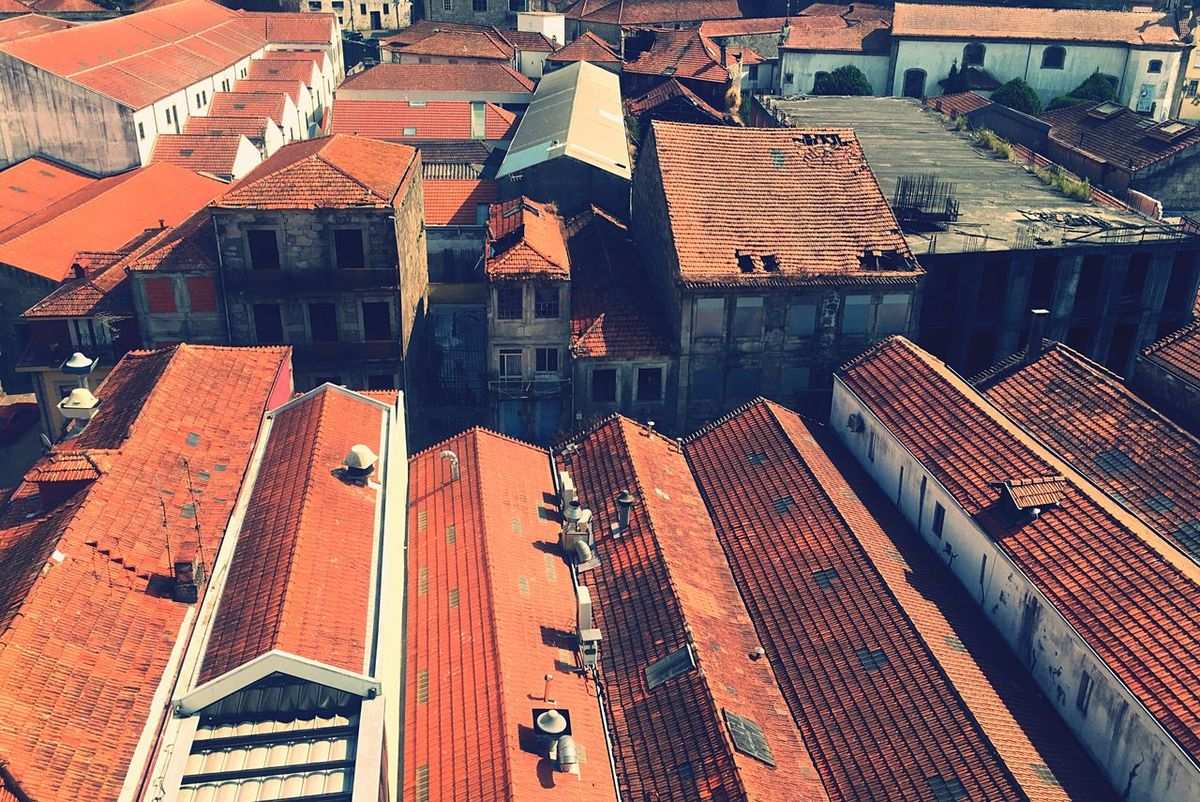 Red roofs... Porto View From Above Cityscapes Urban Geometry Urbanphotography Architecture Architecture_collection Architectural Detail Portwine Winery Urban Landscape Colour Of Life Architectural Feature Greetings From Portugal A Bird's Eye View