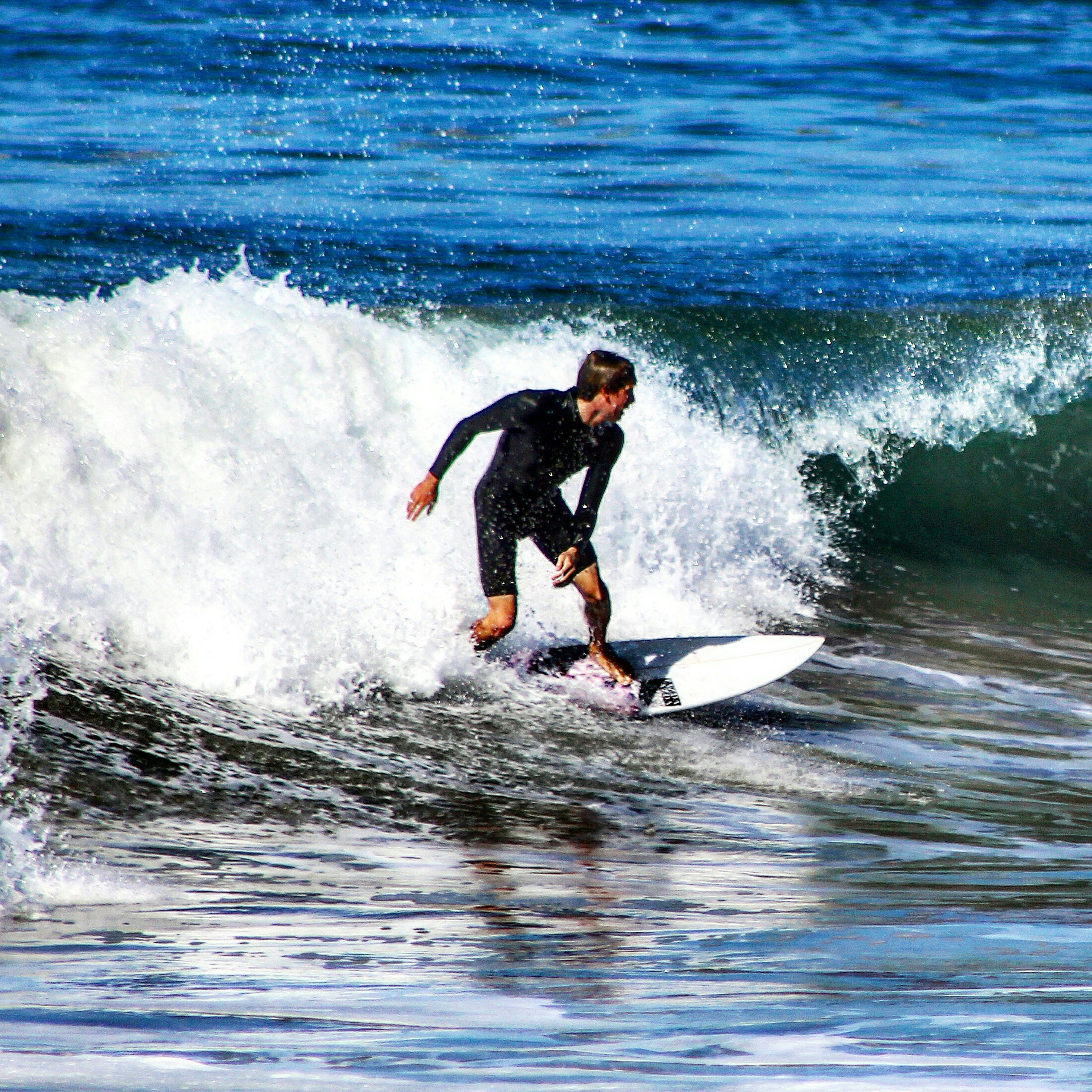 water, sea, wave, lifestyles, leisure activity, waterfront, motion, surf, surfing, surfboard, full length, splashing, vacations, enjoyment, jumping, water sport, sport, men
