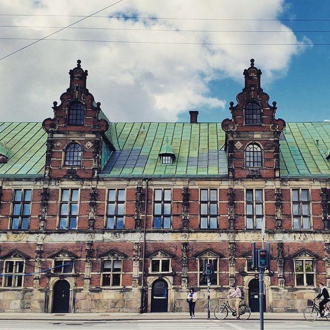 Borsen, former stock exchange 17th-century waterfront building Köbenhavn Nyhavnport Christiansbrygge Copenhagen Nyhavn Cb_travellogs @visitcopenhagen