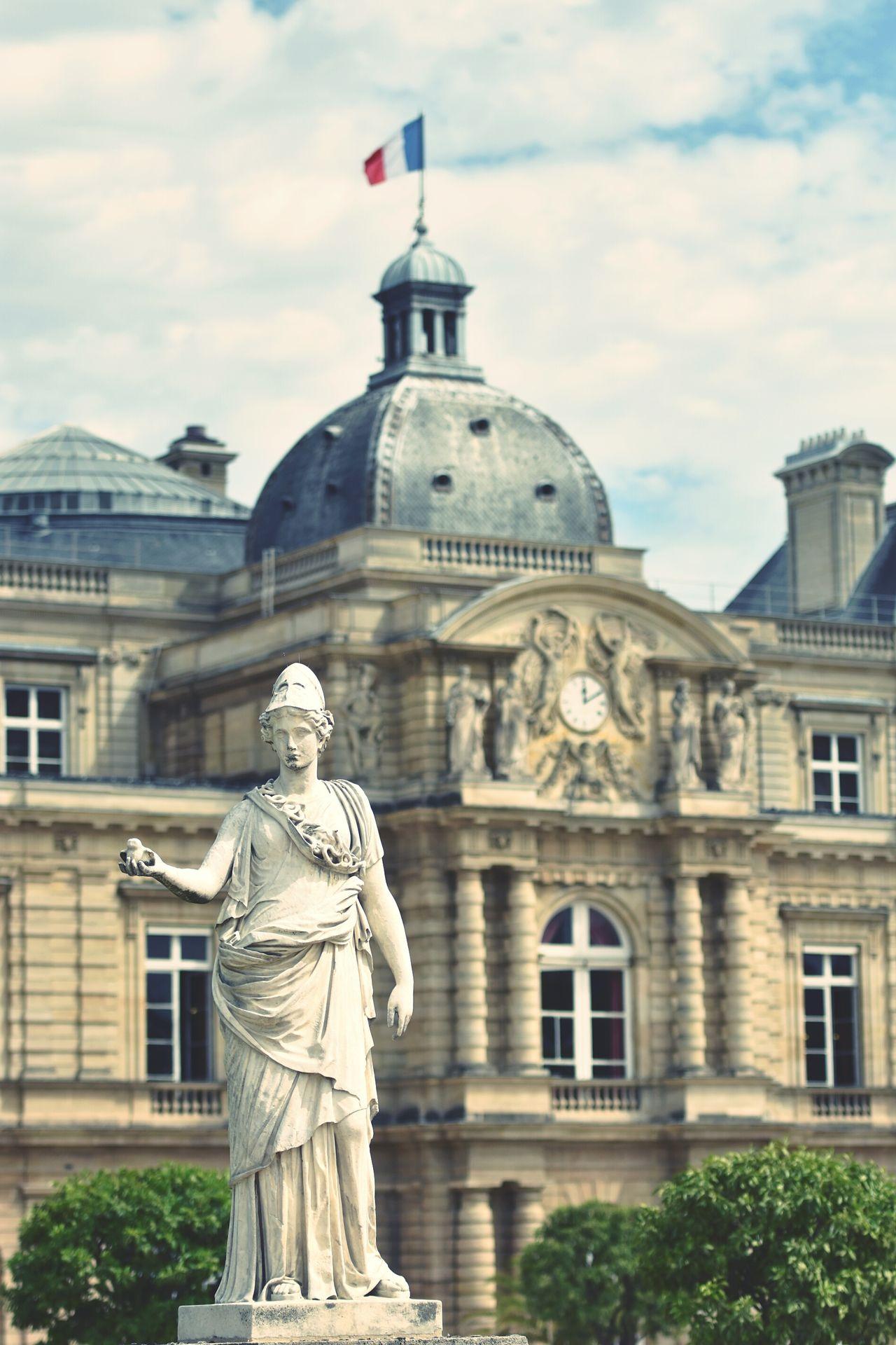 Jardin Du Luxembourg Jardinduluxembourg Park Paris, France  France Monument Statue Flag