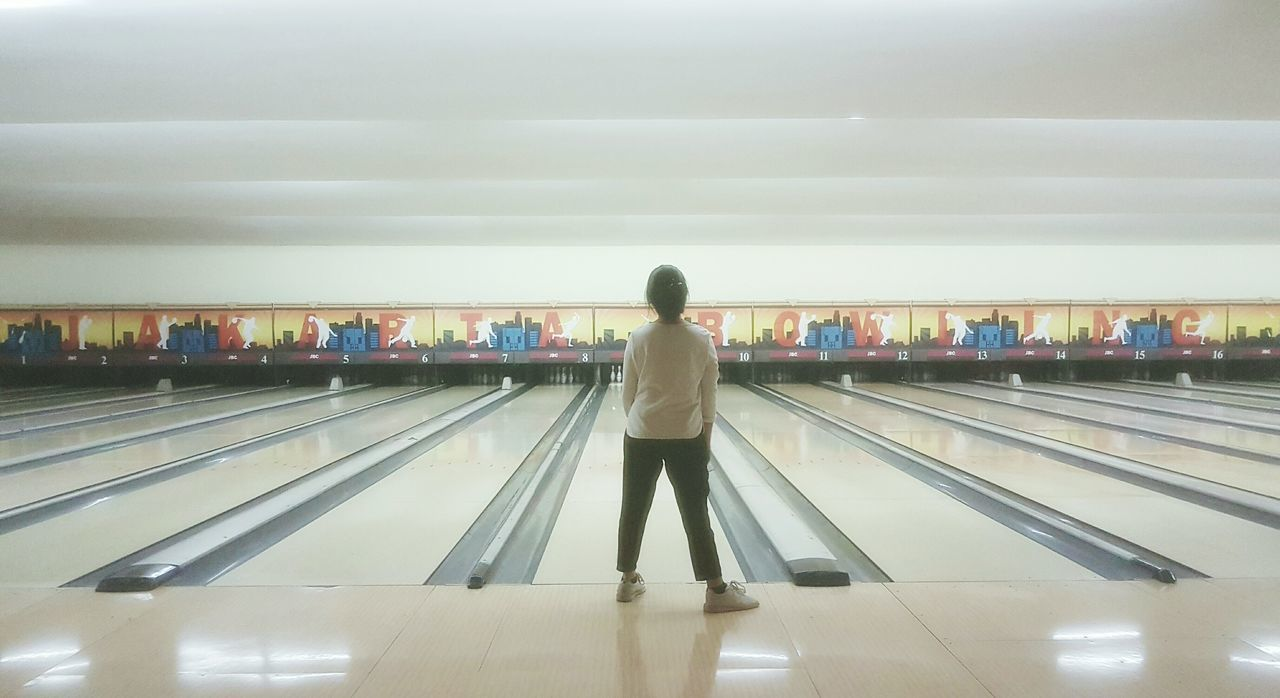 Snap A Stranger Real People Indoors  One Person Bowling Bowling Alley Girl Rear View Bowling Balls Bowlingalley