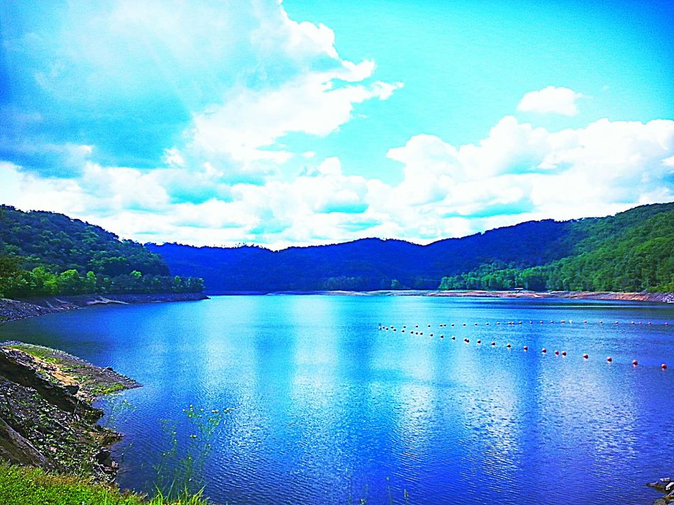 Lovely Weather EyeEm Best Shots - Nature The Great Outdoors - 2016 EyeEm Awards Peace And Quiet What A Wonderful World My Life In Photos Mountain_collection Tennessee Vacation 2016 💖 Nature_perfection TruthIsBeauty Photographic Art 🌷 Peace And Tranquility Tail Of The Dragon Mountain View Mountain Lake Nature The Greatest Artist Tranquil Scene TruthIsBeauty 💯 JustJennifer@TruthIsBeauty Trees And Sky EyeEm Nature Lover EyeEm Gallery Beautiful View Enjoying Life Quality Time No People