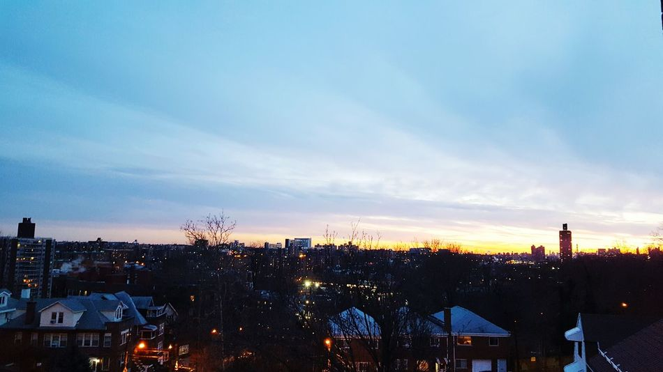 Sky Architecture City Outdoors Cloud - Sky Cityscape Check This Out Hanging Out Enjoying Life Hello World DOPE Sunsets Watching The Sunset Enjoying The Sunset EyeEm Best Shots Taking Pictures Relaxing First Eyeem Photo Newyorkcity Beautiful Cool Taking Photos Balcony Balcony View Balcony Shot