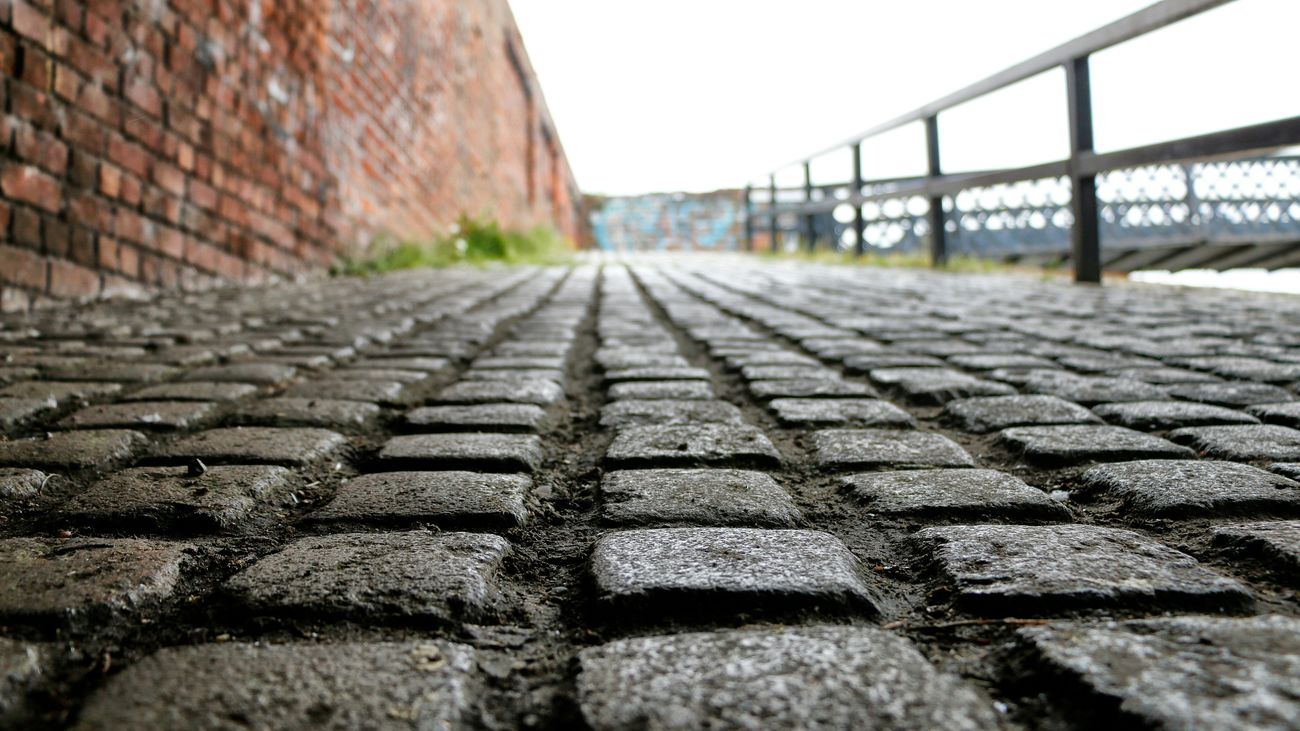 Cobbles Leeds-liverpool Canal Bootle