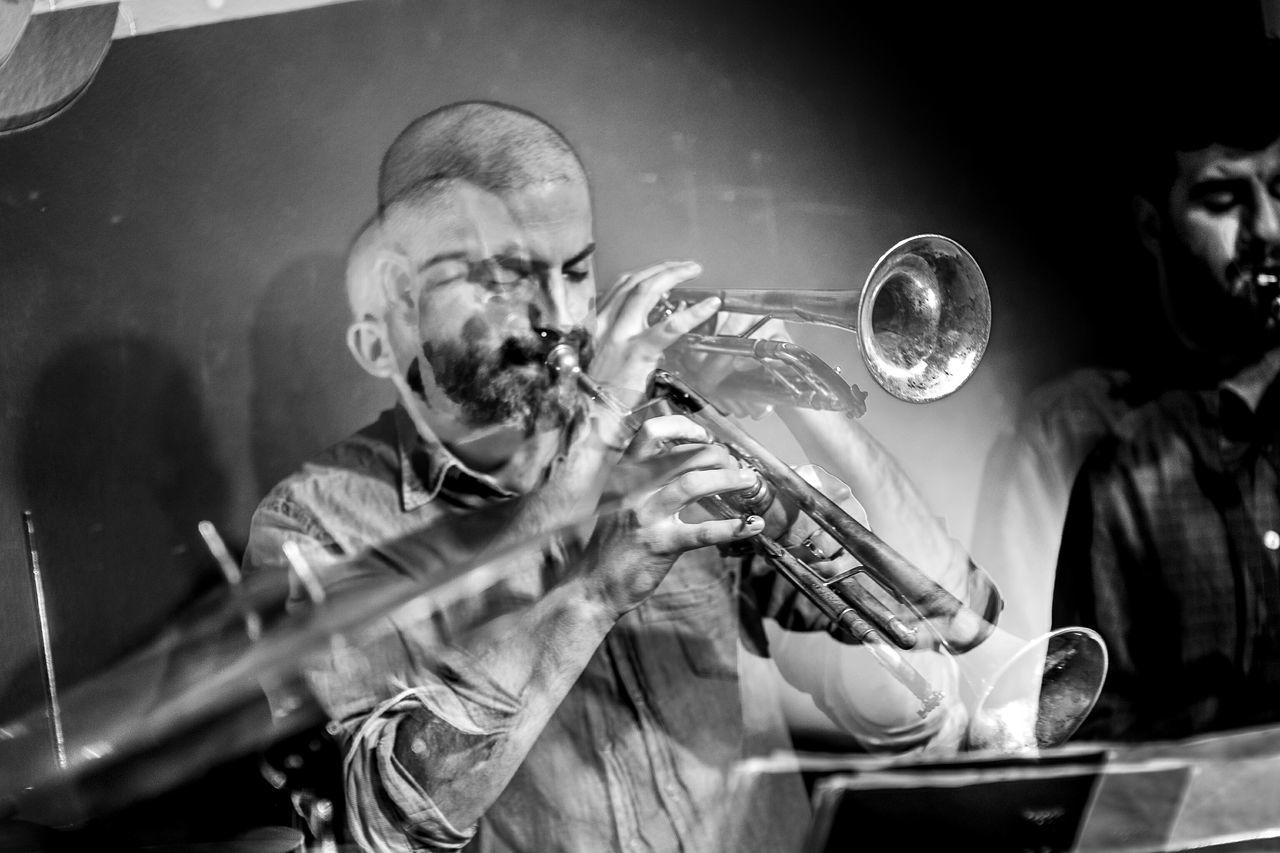 Arnau Obiols - Libèrrim @ Soda Acústic Music Musician Jazz Music Trumpet Musical Instrument Arts Culture And Entertainment Playing People BCN Experimental Fragments Of Life Things I See Open Edit Light And Shadow Double Exposure Blackandwhite Monochrome Musicians My Year My View Performance Music