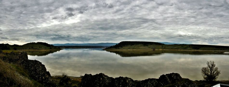 Black butte lake, Ca Tranquil Scene Scenics Lake Beauty In Nature Reflection Sky No People Landscape Photography Hiking Hikingadventures Tranquility Cloudy Cloudy Sky Panorama Panoramic Pano Panoramic View Black Butte Black Butte California Black Butte Lake Wide Shot Outdoors Rocky Landscape Lake View Lake Panoramic