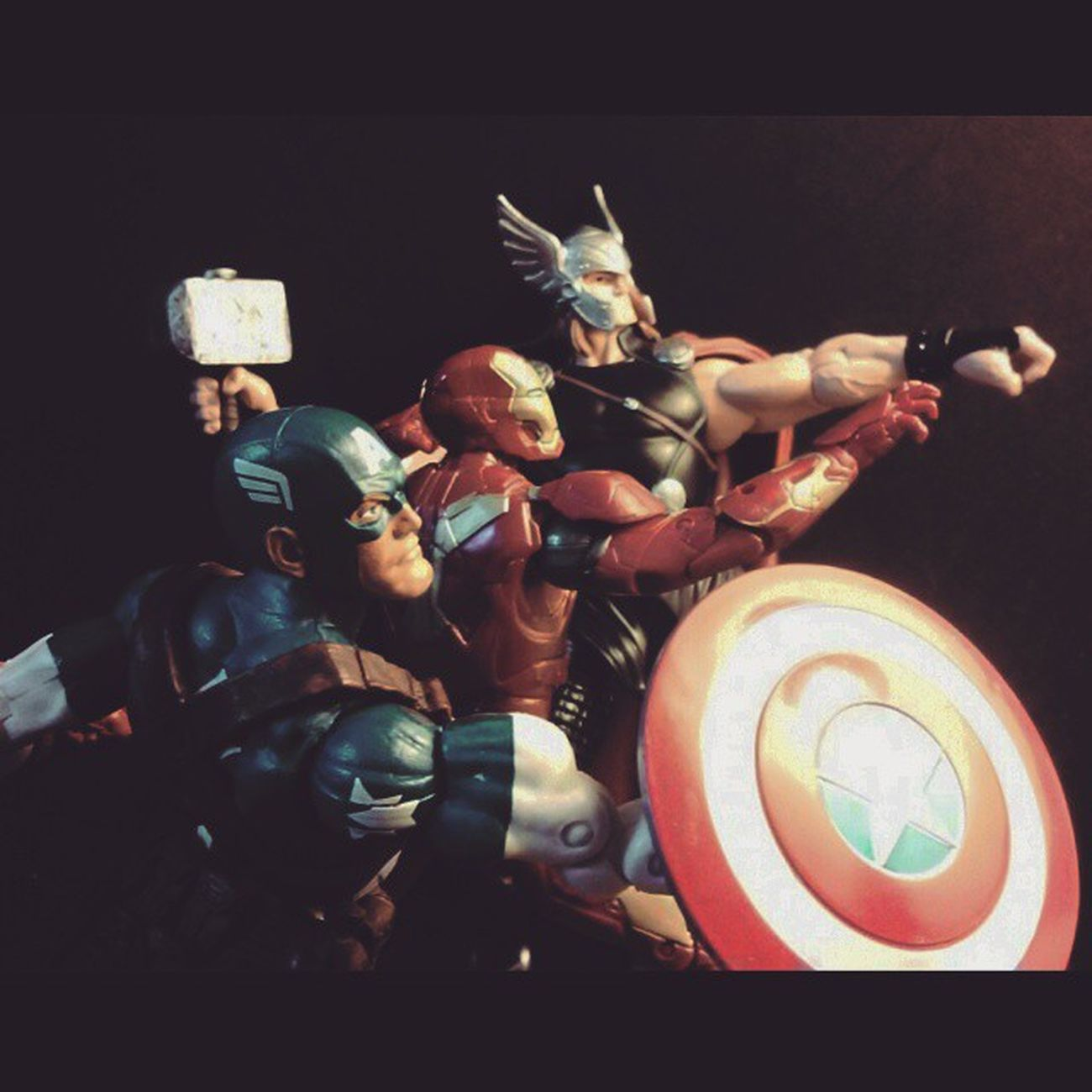 The Avengers Trinity Marvellegends Infiniteseries Ageogultron Captainamerica Thor  Mcu Ironman Manchild Disney Steverodgers Avengers Theavengers Tonystark Baf Marvelentertainment Hasbro Collection Collector Mark43 Articulatedcomicbook Actionfigures Figurecollection Figurelife Nerd Comics actionfigurephotography tcb_flyupandaway