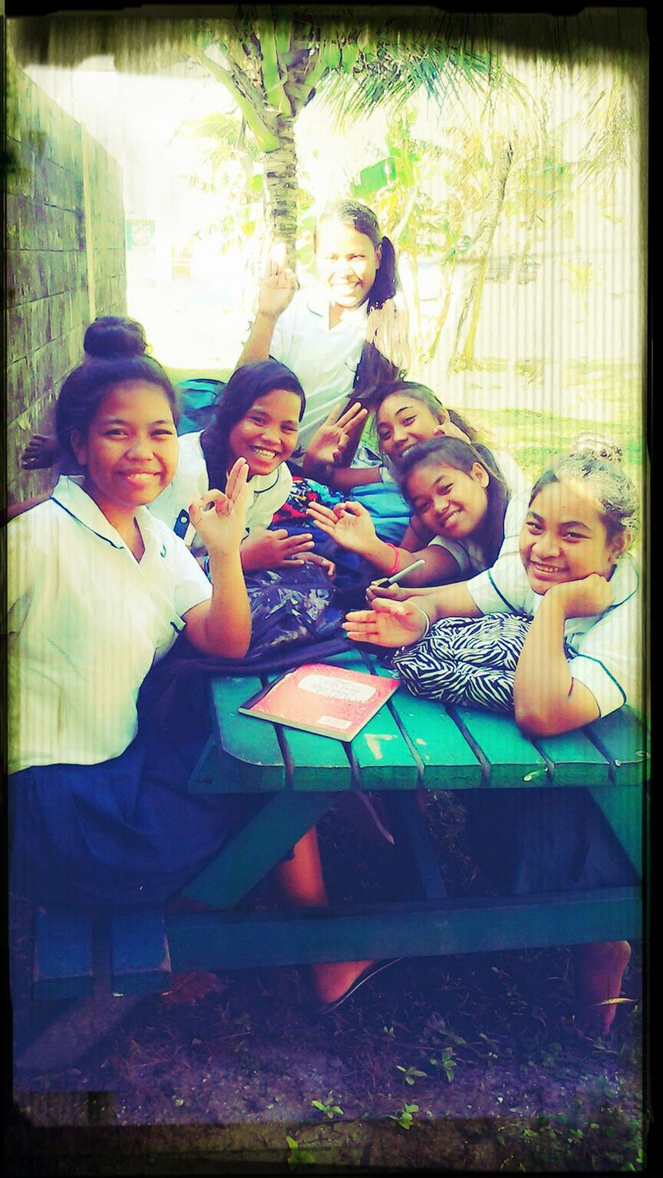 fwefwe gangsters!! :) Hanging Out