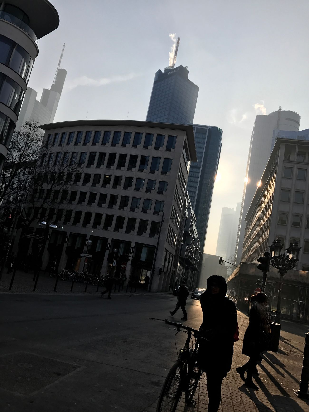 Bankenviertel Wintersonne Mittag Innehalten
