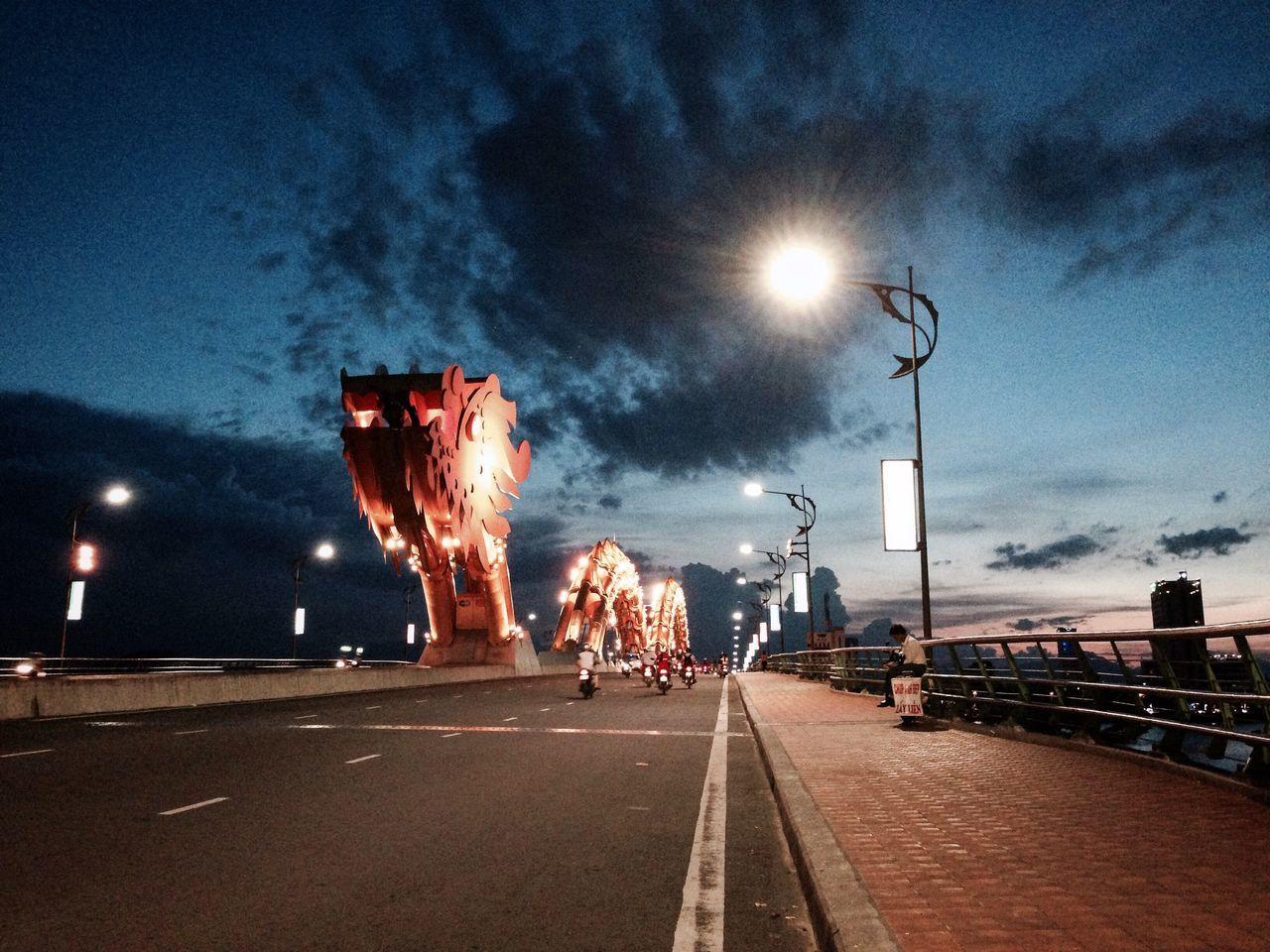 The Sun on Dragon Bridge at 6:30pm
