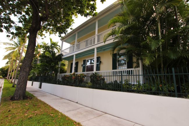 Homes Key West Key West Homes Key West Living Southern Homes Southern Life Streets Of Key West Tropical Climate
