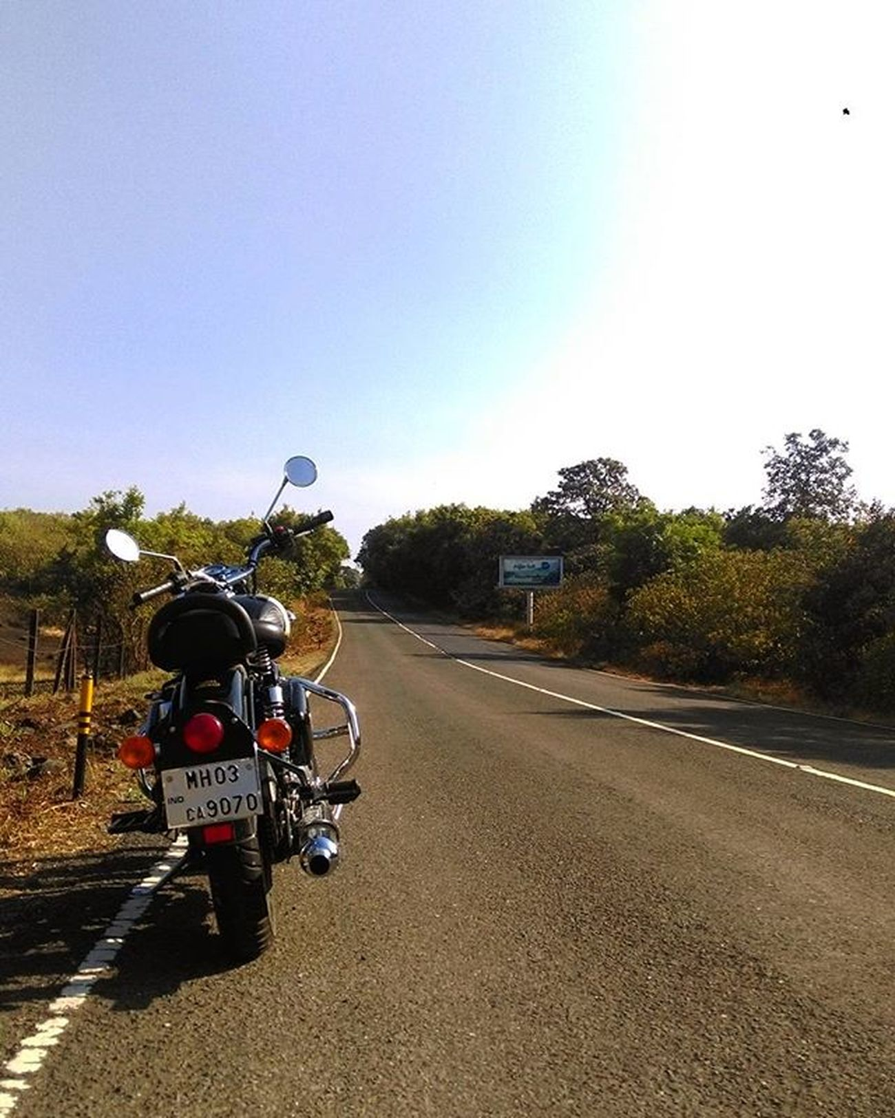 ..nothing can substitute Experience !! Nofilter Wanderlust Explore Ride Touring Biker Life Journey India Cruiser Motorcycle Royalenfield Classic Royalenfieldbeasts EatSleepShift Bulleteers Stayroyalliveenfield