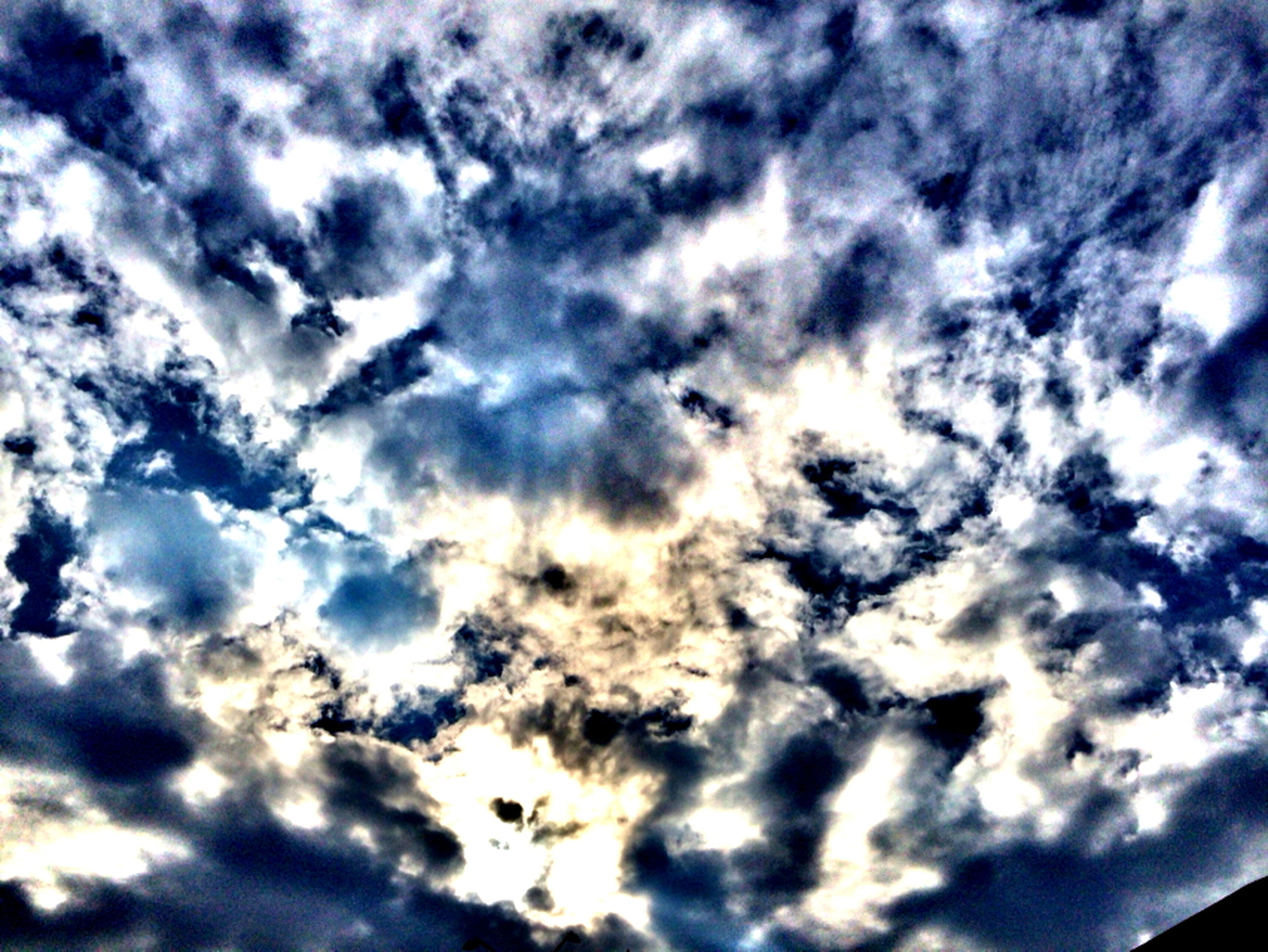 low angle view, sky, cloud - sky, cloudy, sky only, beauty in nature, nature, cloudscape, cloud, tranquility, backgrounds, scenics, blue, full frame, tranquil scene, weather, outdoors, idyllic, no people, majestic