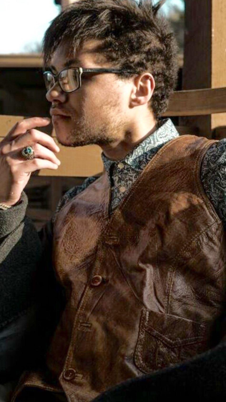 """ Johnny Depp "" influenced. Johnny Depp style on point 🤓🤓😎"