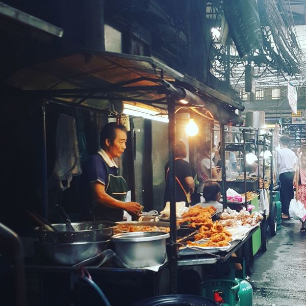 Thailand🇹🇭 Thailanfood Thaistreetfood Thaistreet Foodlovers Foodloversofinstagram Streetfoodlovers StreetFoods Sellers Cookingwithlove Streets Street Photography Thaifoods Thaifood Thai Food Thaifoodstyle Bangkokstreetfood Bangkokstreetphotographer Thailandstreetphotography Thailandstreetfood
