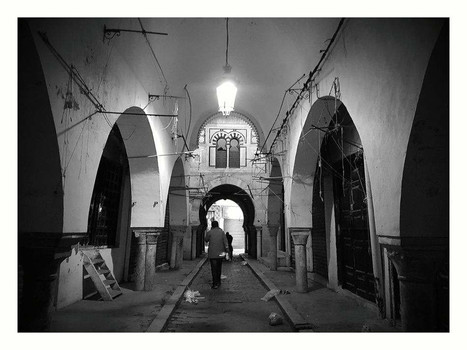 Street Light Outdoors Built Structure History Night Eyeem Tunisie Eyeem Tunisia Architecture Architectural Column Blackandwhite