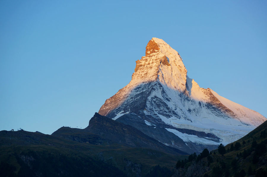 The Matterhorn of the morning glow 朝焼けのマッターホルン Blue Matterhorn  Morning Glow Mountain Sky Swiss Swiss Alps Switzerland Zermatt Been There. Lost In The Landscape Connected By Travel EyeEmNewHere Perspectives On Nature
