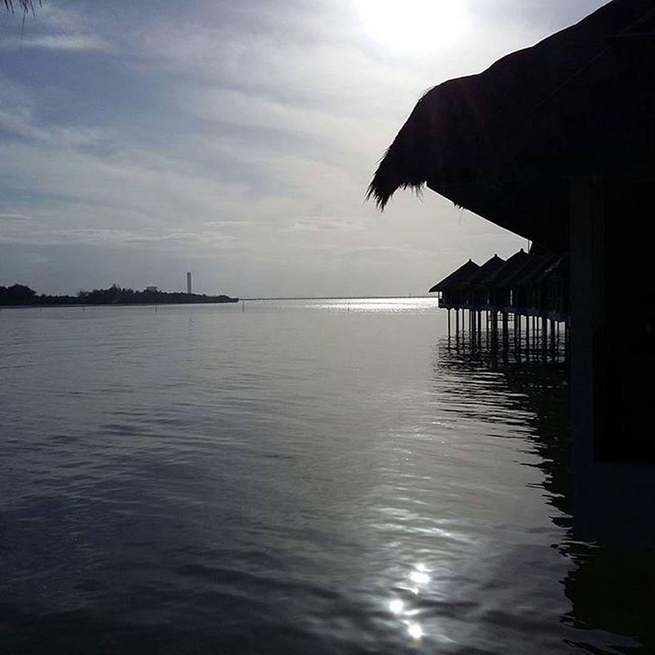 No Edit Noedit Nofilter Insta_sg Instagramers Instagram Malaysia Beach Avani_sepang Sepang Igersmyanmar Jan2 2016 Photo Sky Water Avani Resort Hotel Samsung_a3 Original OriginalPhoto Photography Instagood