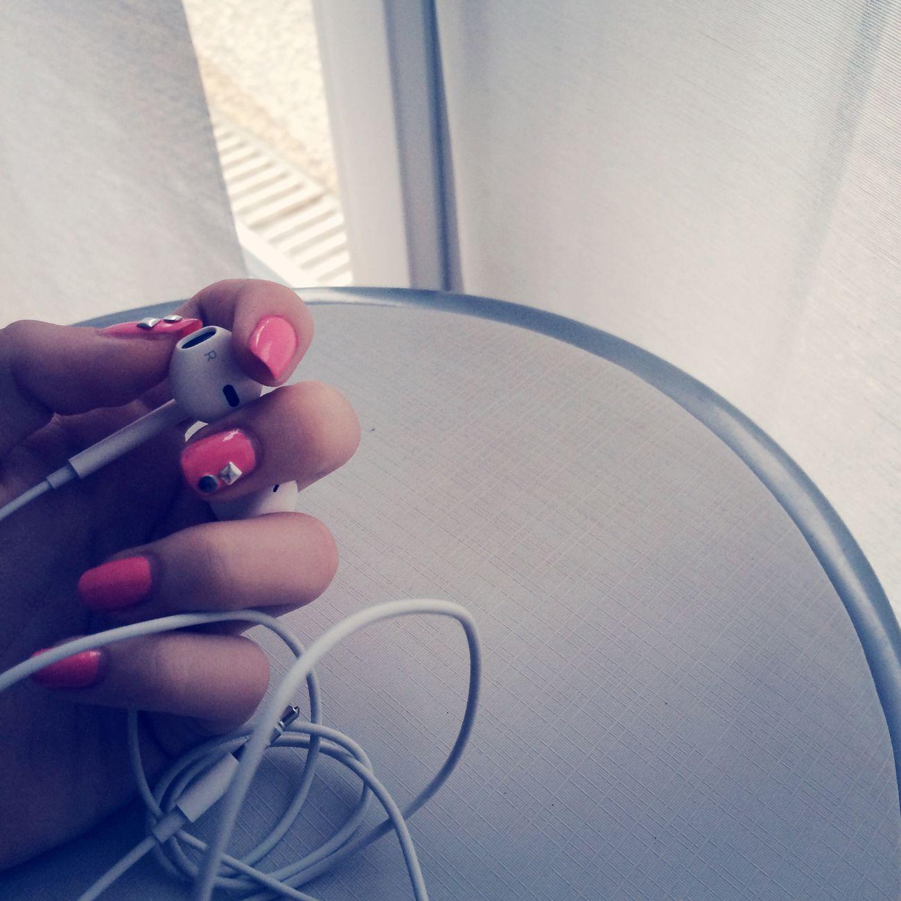 Music Nails Pink