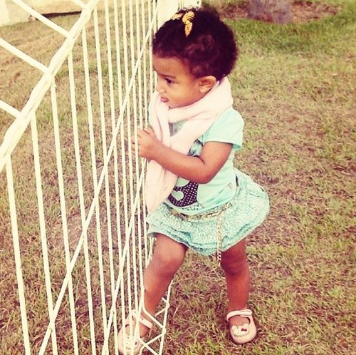 Minha princesinha modelando hahaha. Dô conta não!