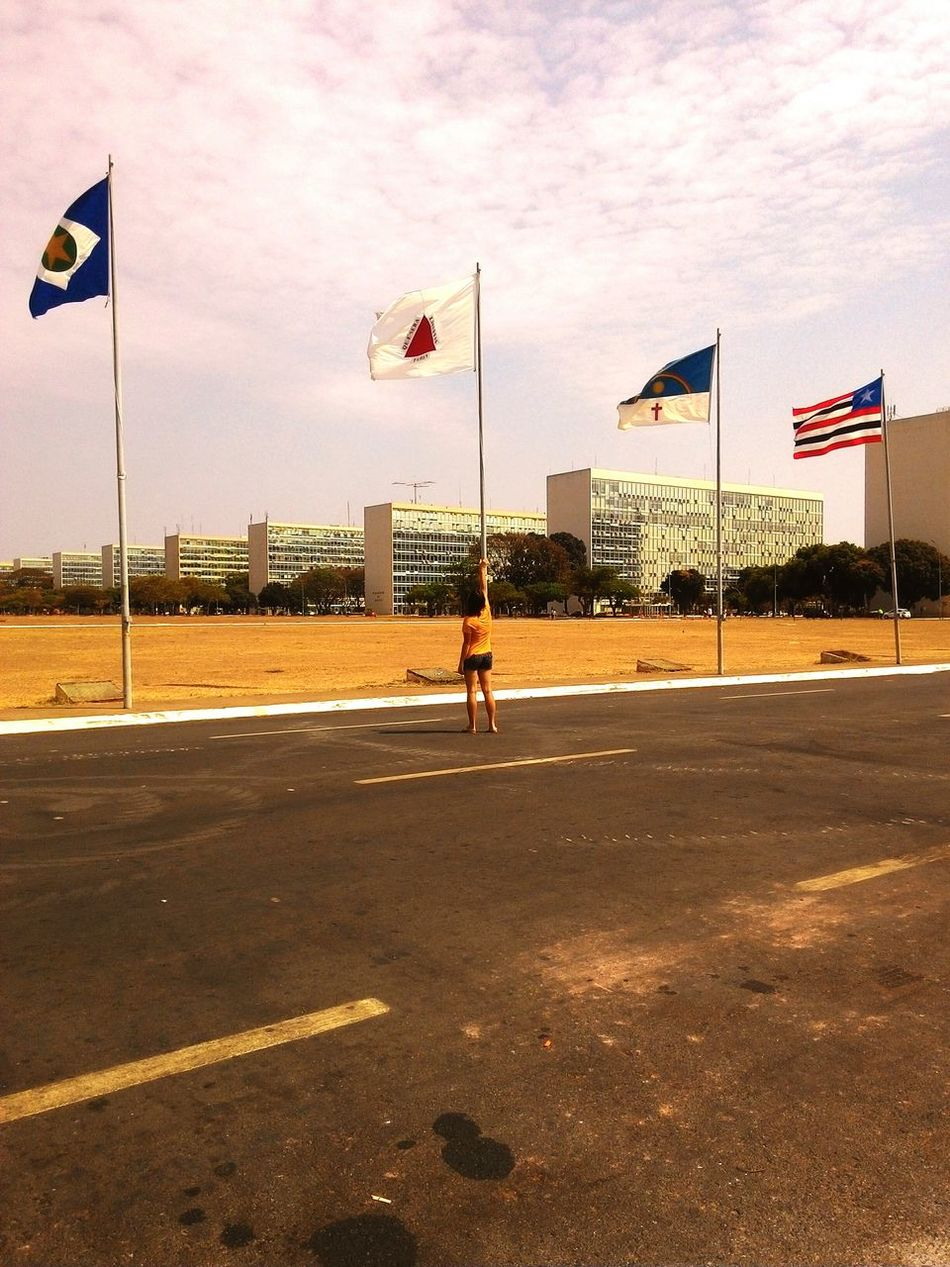 Flag Patriotism Cultures Full Length Sky Cloud - Sky One Person Outdoors Young Adult Minas Gerais Brasília Brasil ♥ Bandeiras