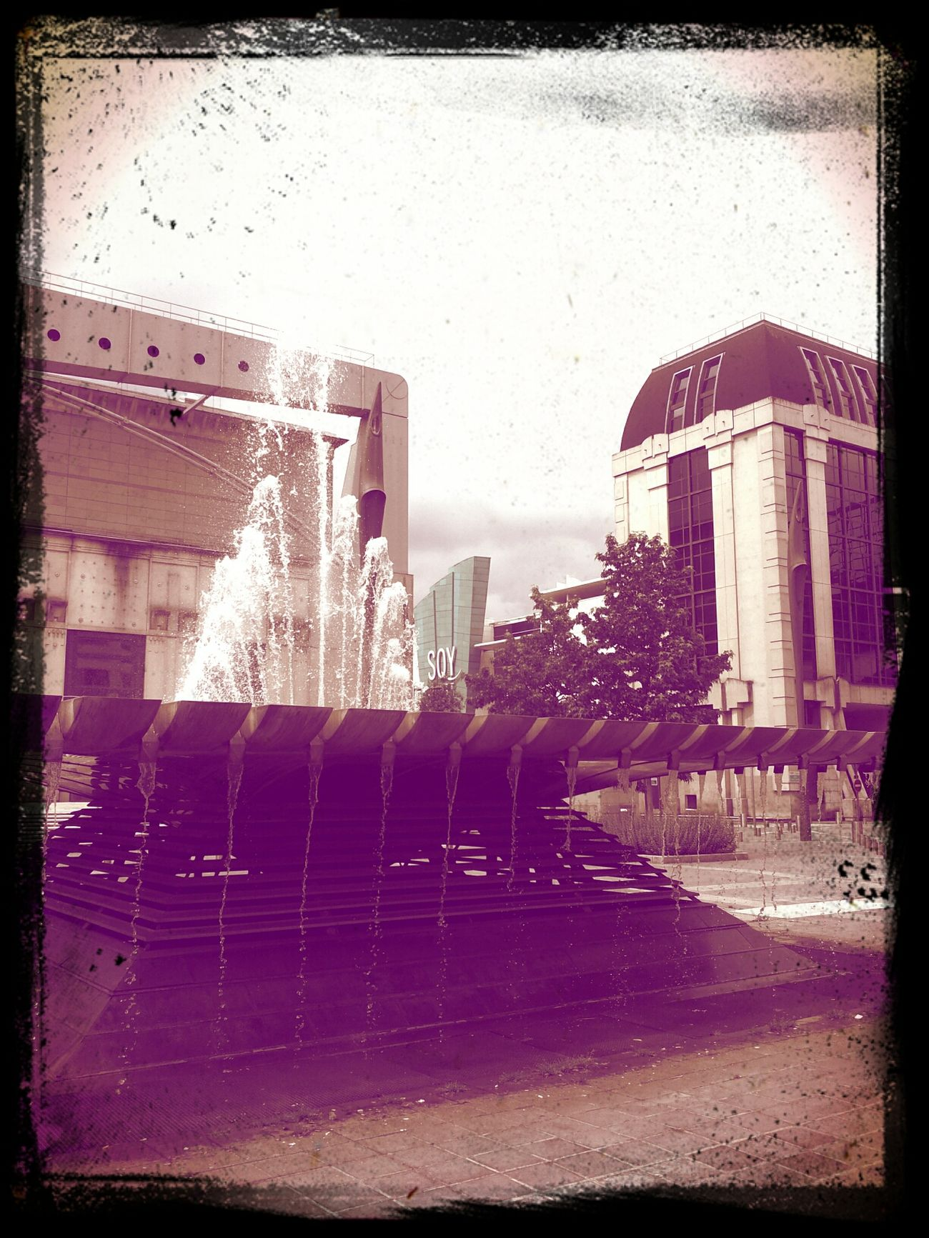 Monocolor Fountain SQY