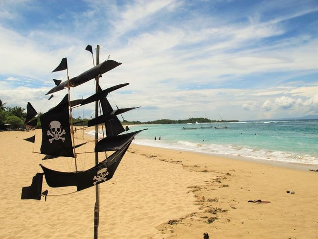 Paseando por Nusa Dua en Abril 2014. Bali Beach Blu Sky Blue Boat Coastline Holiday INDONESIA Nature Non-urban Scene Ocean Outdoors Pirate Sand Sea Ship Sky Vacations Water The Essence Of Summer