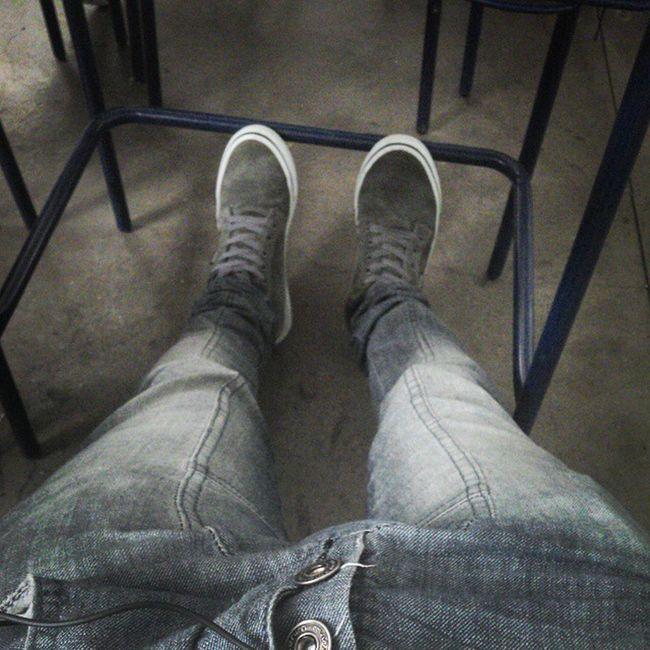De boas na sala da Moh' Escola quase vazia rs'