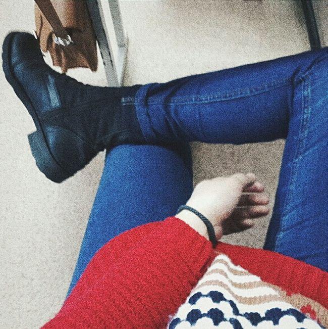 Fashion&love&beauty Street Fashion Fashionblogger Fashionshoes Asianswag Relaxing LOL Borred Daydreaming Letsgo