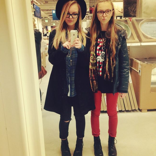 Mirror mirror on the wall... With my sister ???? Shopping Hanging Out Mirror Sisters Enjoying Life That's Me Shoes Outfit 5 Seconds Of Summer 5sos Fam