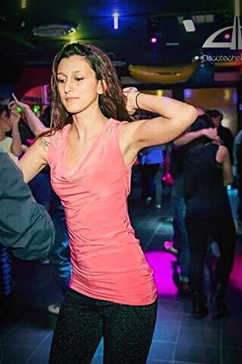 Me Dance Latino Salsa Dancing Dancing Girl Love Passion Io Funnynight Girl