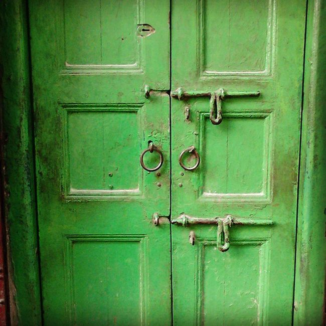 "First ever KolkataInstameet .. Nice experience meeting new people and clicking on the way ""Doors, locks and windows"" Wwim11 Wwimkol11 KolkataInstameet Doors_and_windows Doorsofcalcutta Unlocked Unsafe Instagram Kolinstameet Calcuttacacophony Northkolkata Streetsofkolkata _soi Streetphotogrphy Mobileclick Smartphone_photography Whywealllovecalcutta"