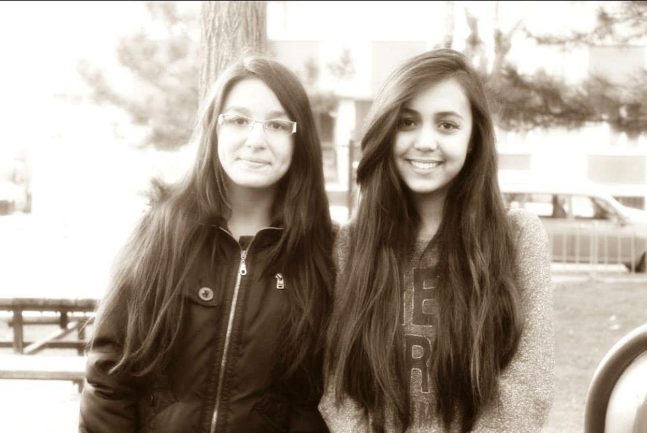 Chillin with ma sista <3 Winter Nikon Friends
