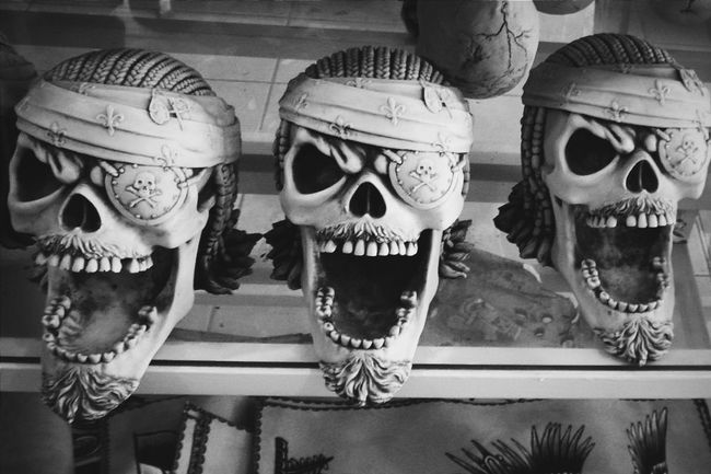 Puerto Vallarta Taking Photos Mexico Puertovallarta Monochrome Silhoutte Photography Light And Shadow Shadow Silhouette Dark Silhouette Skulls Skull Skullhead Suveniers Skulls💀