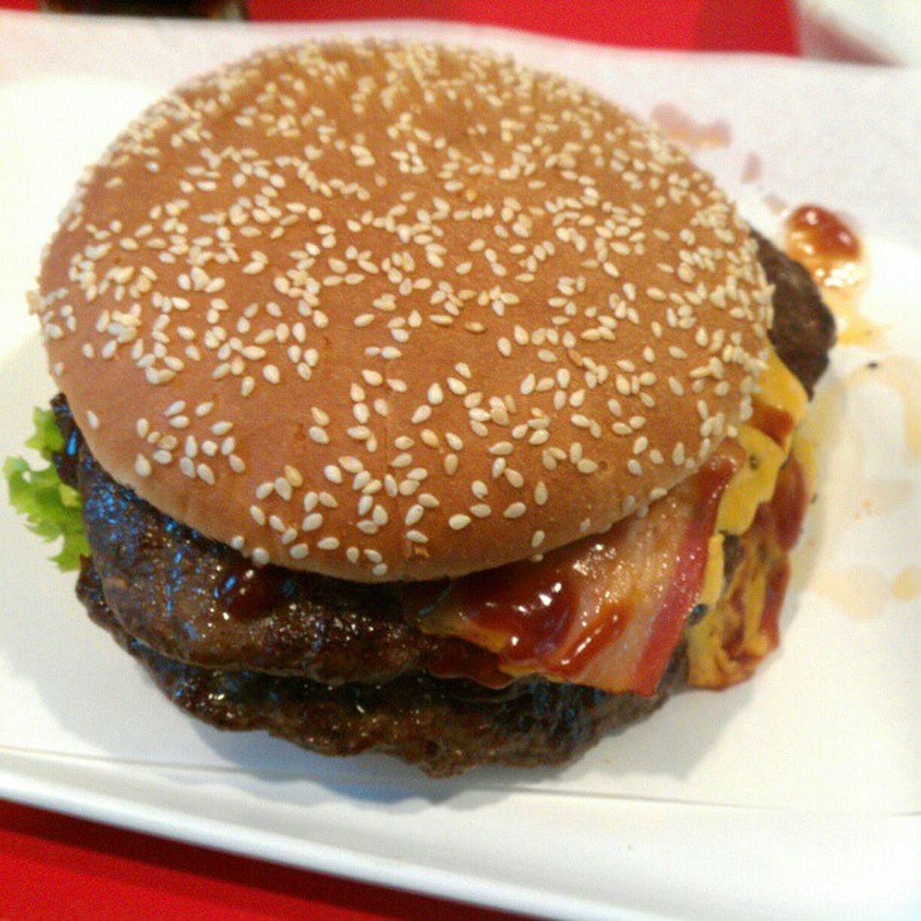 Double Beef + Double Bacon + Double Cheese + Chris = Fresskoma #Burgerium Burgerium