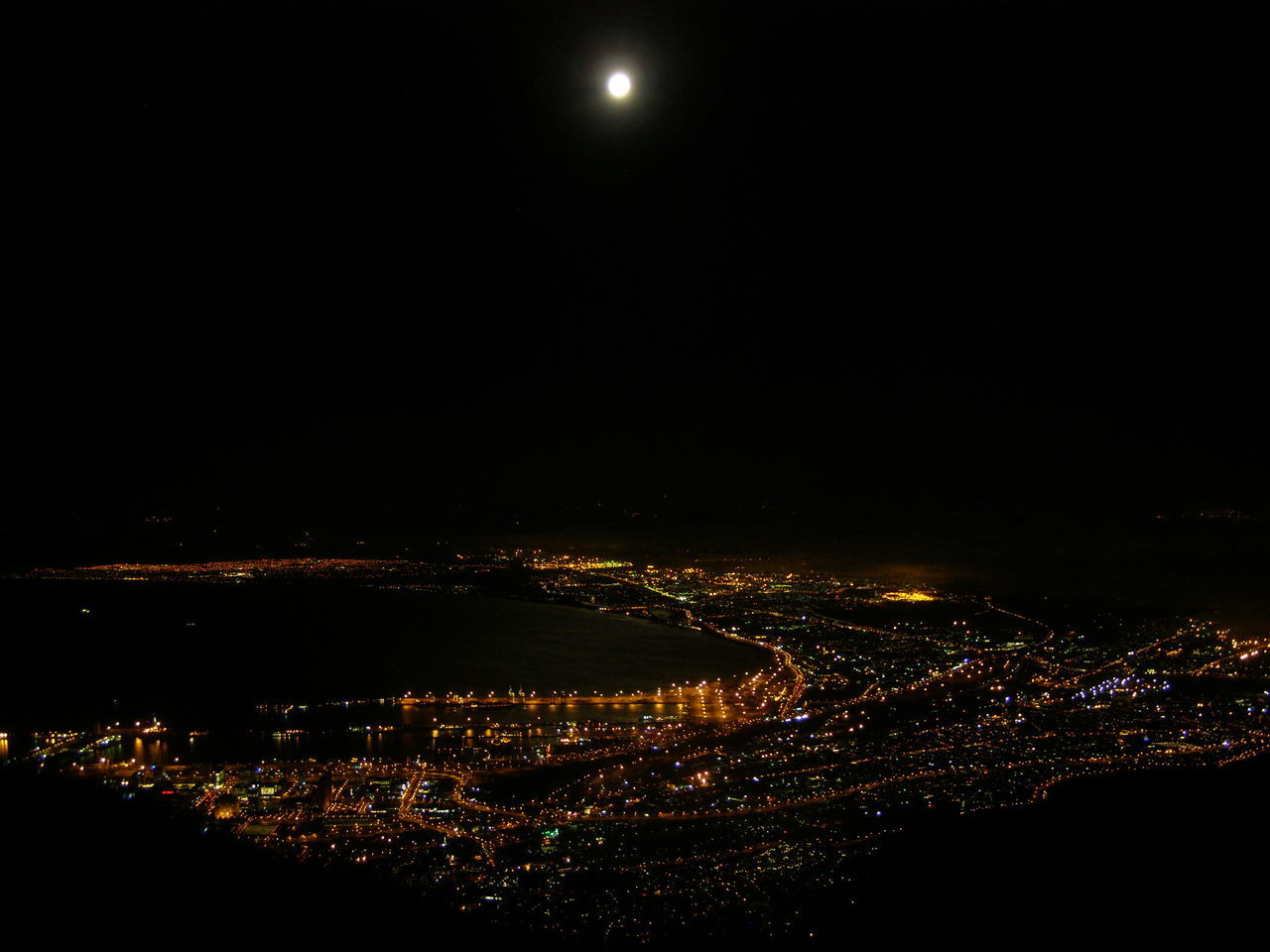 Cape town at night from Table Mountain Cape Town Capetown City Cityscape Cityscapes Full Moon Moon Light Moonlight South Africa Night Lights Night Photography Nightphotography Perspective Scenics Water Africa Capetownlights Aerialview Aerial View Aerial Shot Cities At Night Cities_collection Cities