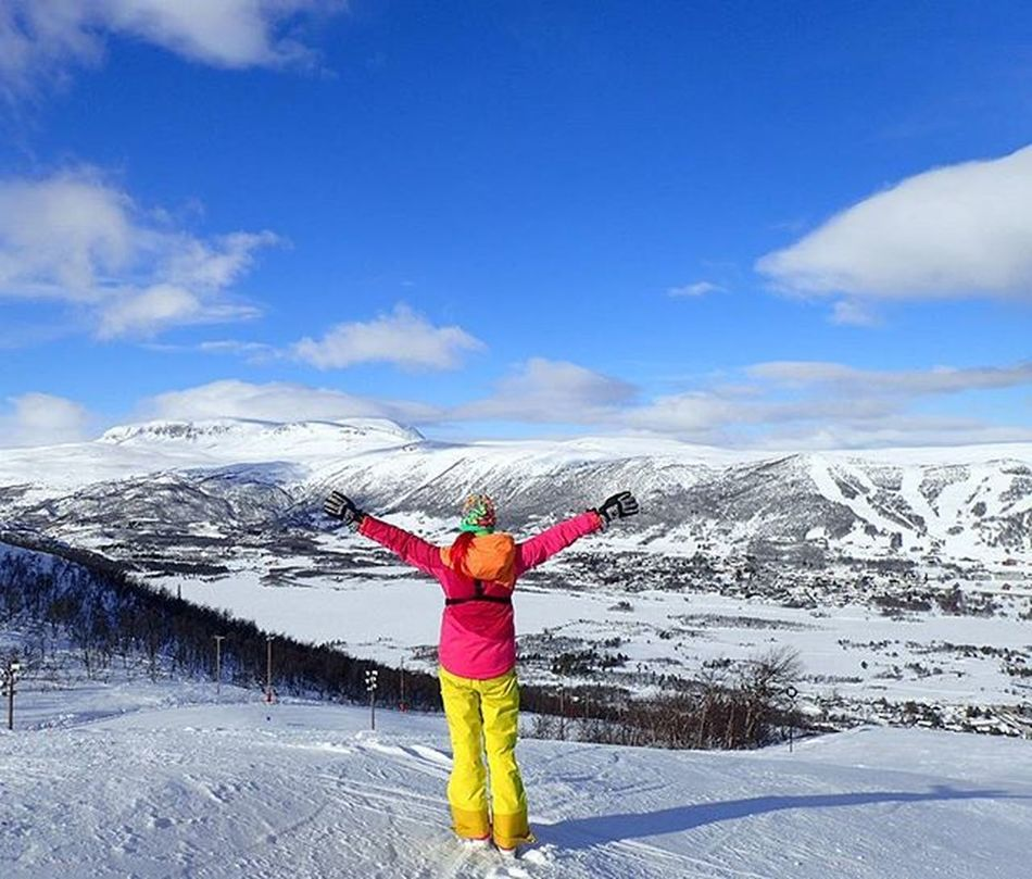 🌞🌞❄🌞🌞oN a DaY LikE thiS everYthinG iS eaSy🌞🌞❄🌞🌞 Geilo Hallingdal Buskerud Hallingdalskarvet Geilolia Mittnorge Norgefoto Norsknatur Dreamchasersnorway Damgooddays Highlightsnorway ILoveMyJob Officeview Mylifemyadventure Skiingwithaview Ridewithaview Wu_norway Ilovesnow  Ilovewinter Maxjoy Outdoorwomen Karitraa Marmot Loves_nature Loves_norway loves_mountains skylovers whataday