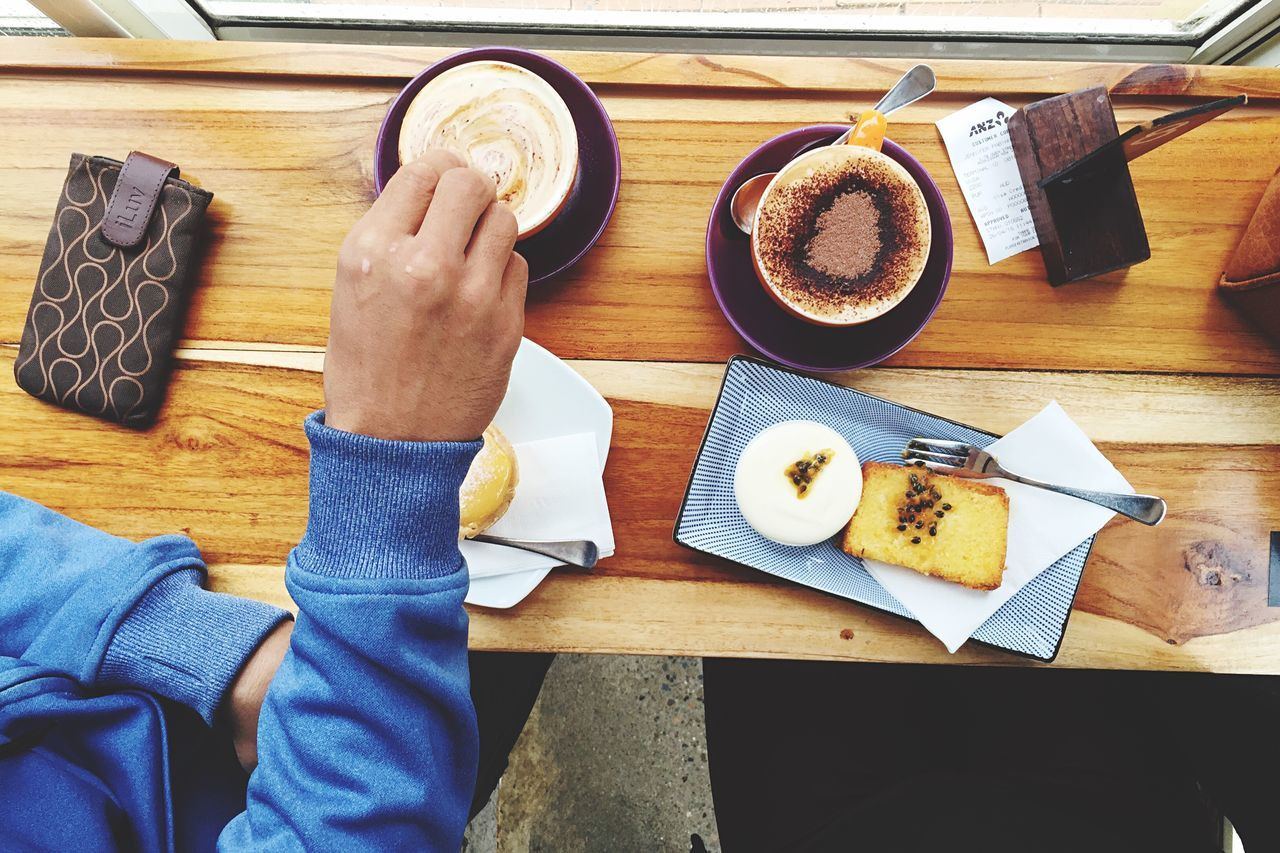 Brunch Around The World waiting for the rain to pass Coffee Foodphotography Coffeelover ShotOniPhone6