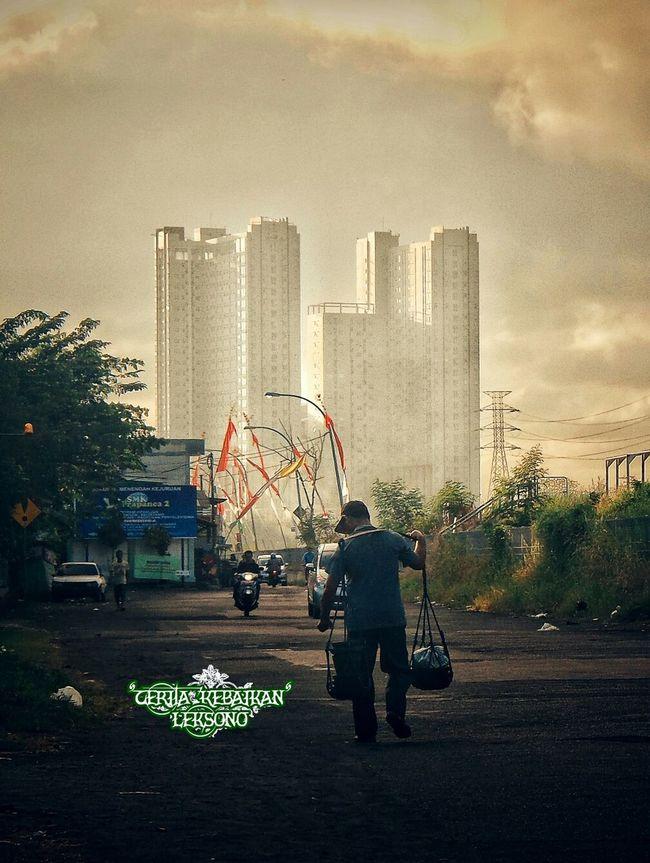 City Life Street Photography Streetphotography Street Life Human Interest Humaninterest Surabaya INDONESIA