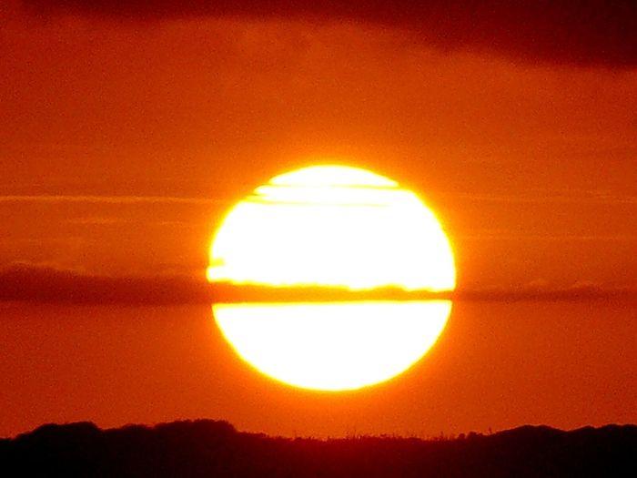 La policromia margariteña es un espectáculo esplendoroso. Puesta De Sol Hello World Vzla Margarita Yaque Playa El Yaque
