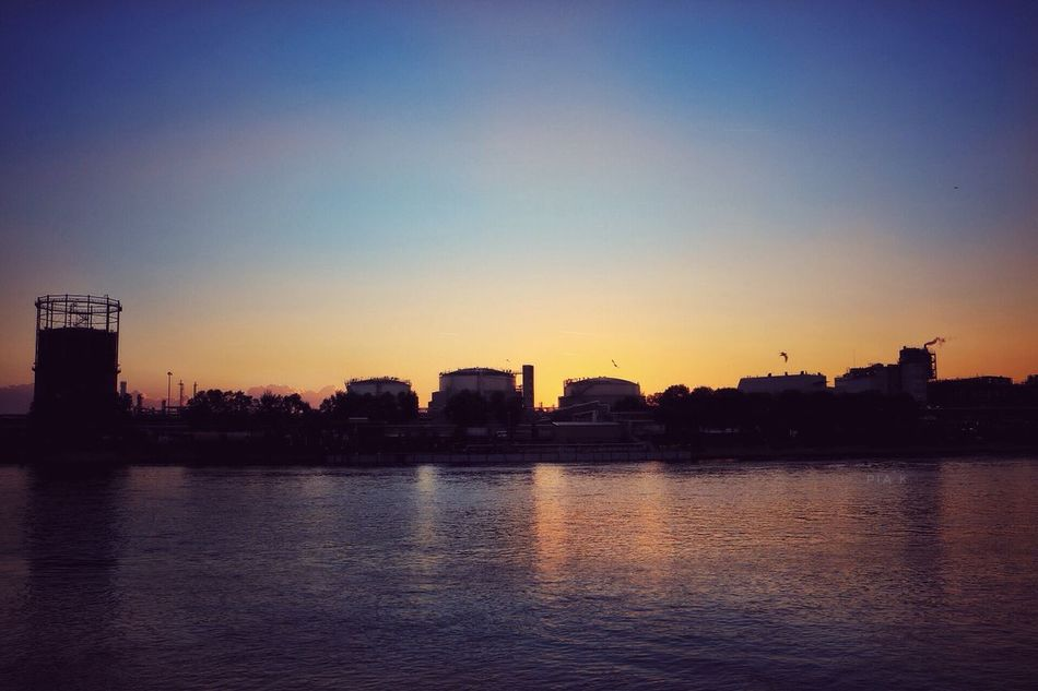 the silent love.. Waterfront Water Silhouette Sunset Clear Sky River Nature Sky Sunshine Building Exterior Built Structure Ludwigshafen Mannheim Skyline Cloud Sonnenuntergang Germany Deutschland Summer Sundown Relax Sun Sunlight Factory