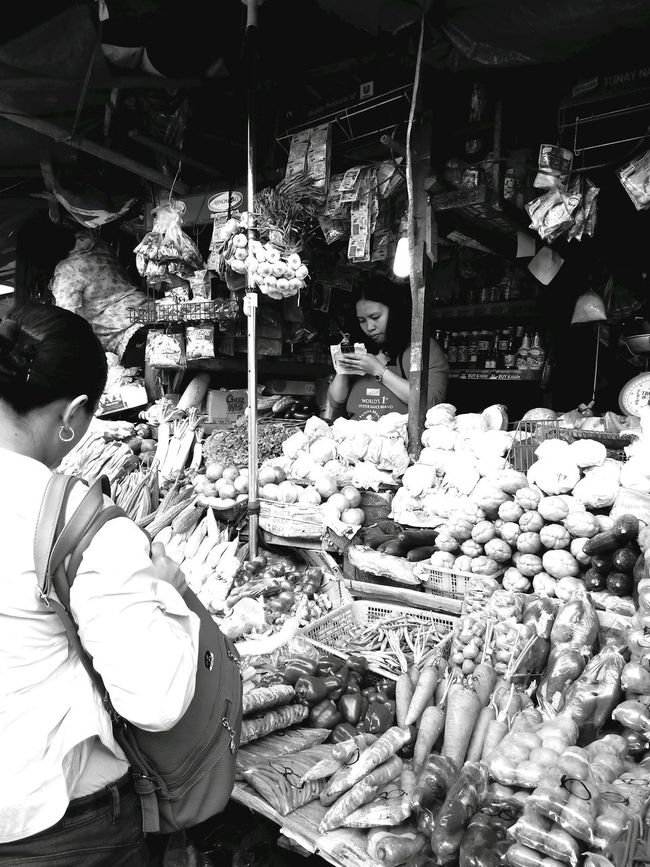 Streetphoto_bw Blackandwhitephotography The Daily Grind  Real People This Is LIFE This Is Real Life The Real Life Marketplace Market Daily Life