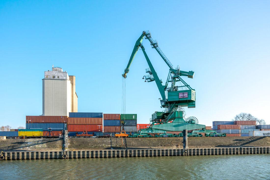 Gernsheim, Harbour Container Gernsheim Harbour Industry Kran Logistik Marina Rhein Rheinufer Warenverkehr Crane Hessen