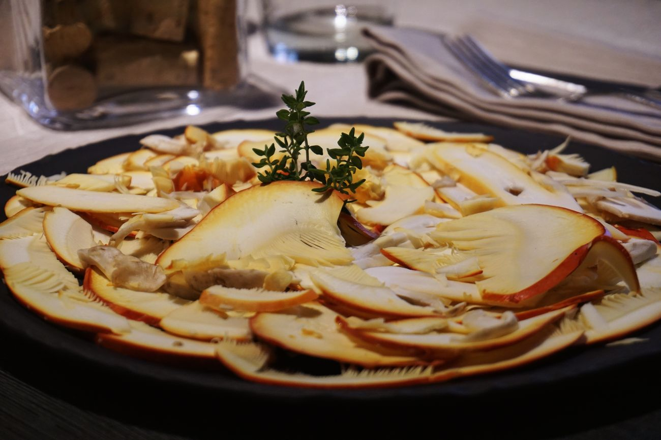 Mushroom carpaccio Amanita Caesarea Mushrooms Ousdereig Sony A6000 Carpaccio Raw Food