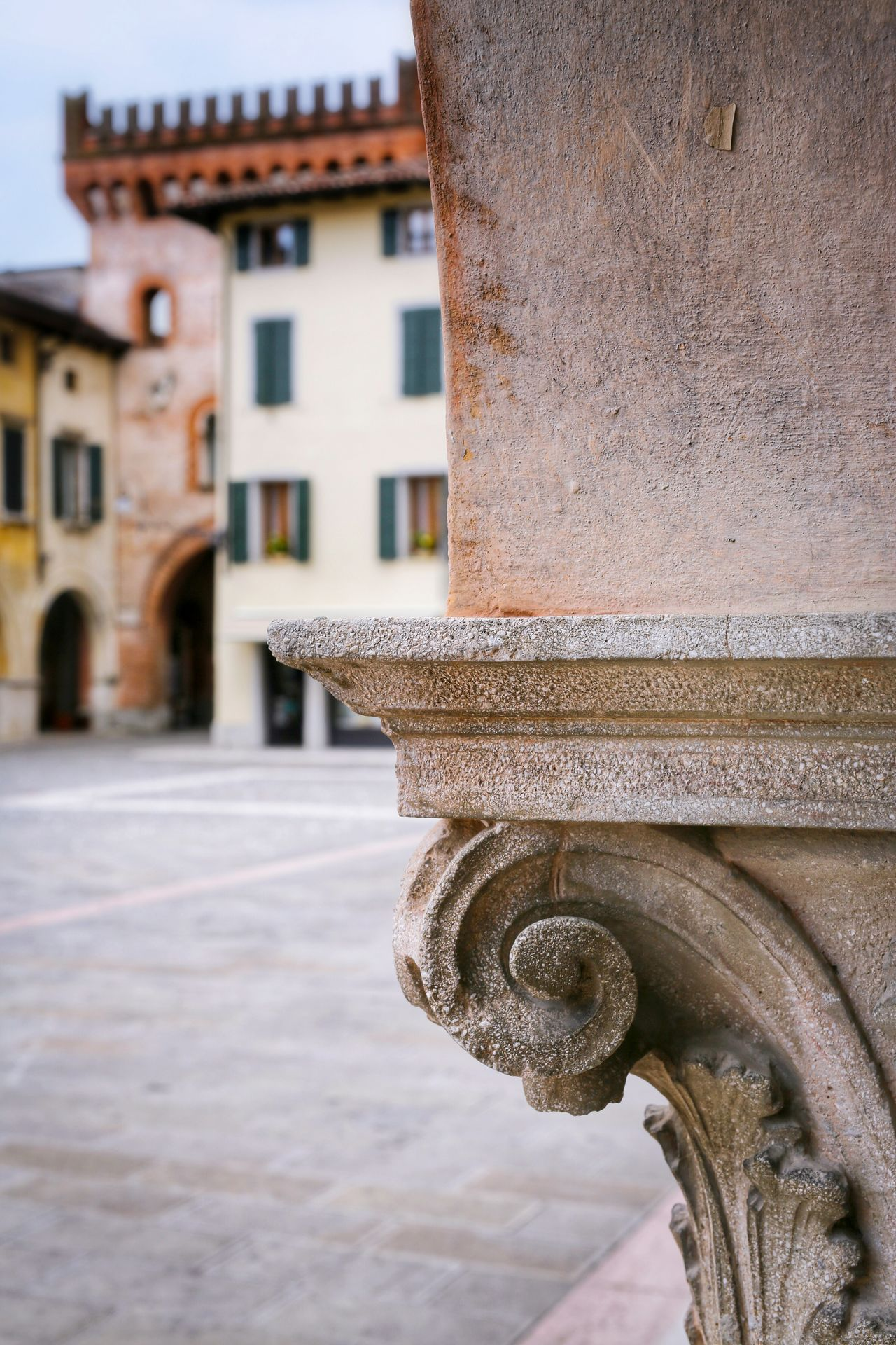 San Vito Al Tagliamento Pordenone Friuli Venezia Giulia Italy Travel Photography Travel Voyage Traveling Mobile Photography Fine Art Canon Eos 5d Mark Iii Architecture Details Column Capitals Blurred Background Historical Buildings Mobile Editing
