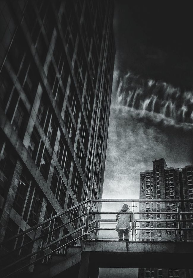 Lonely Girl Lonely Wanderer Hello World Hanging Out Relaxing Enjoying Life City Center Hello World Blac&white  Black & White Black And White Architecture And Structure The KIOMI Collection