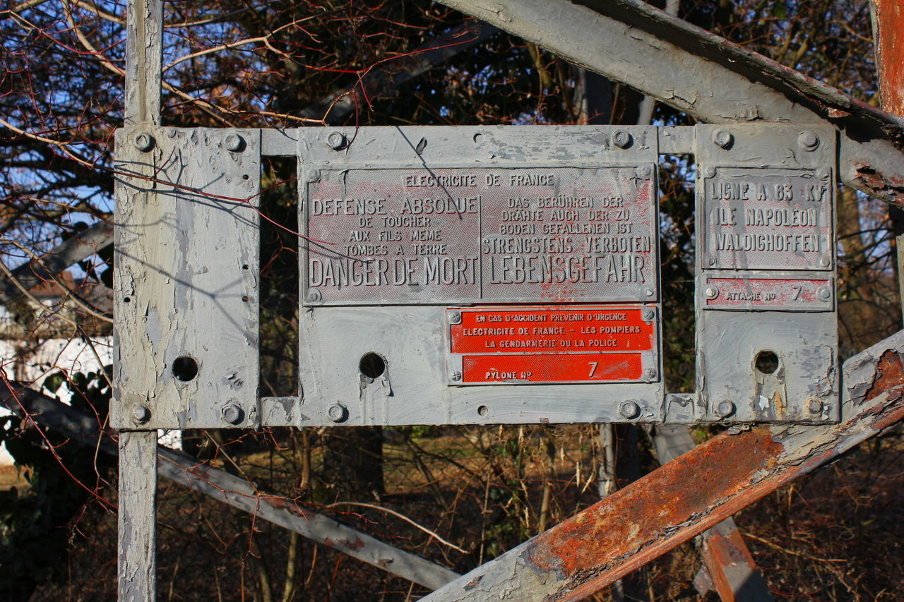 Abandoned Danger Danger Sign Danger Zone Danger! Dangerous Day Electricite Electricity  Field Lebensgefahr No People Obsolete Outdoors Train - Vehicle Transportation