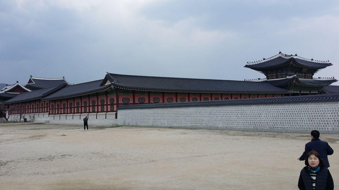 Gyeongbokgung Palace, Seoul Jongno-gu Joseon Dynasty 1392- 1897 Built In 1395 Official Palace Royalty Kings And Queens Korean Royalty Korea Architecture Architecture Seoularchitecture Palace Architecture Seoul South Korea Seoulspring2017